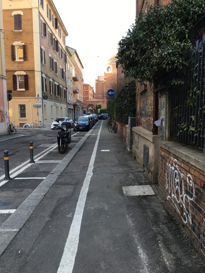 narrow lane cycling in bologna cycling
