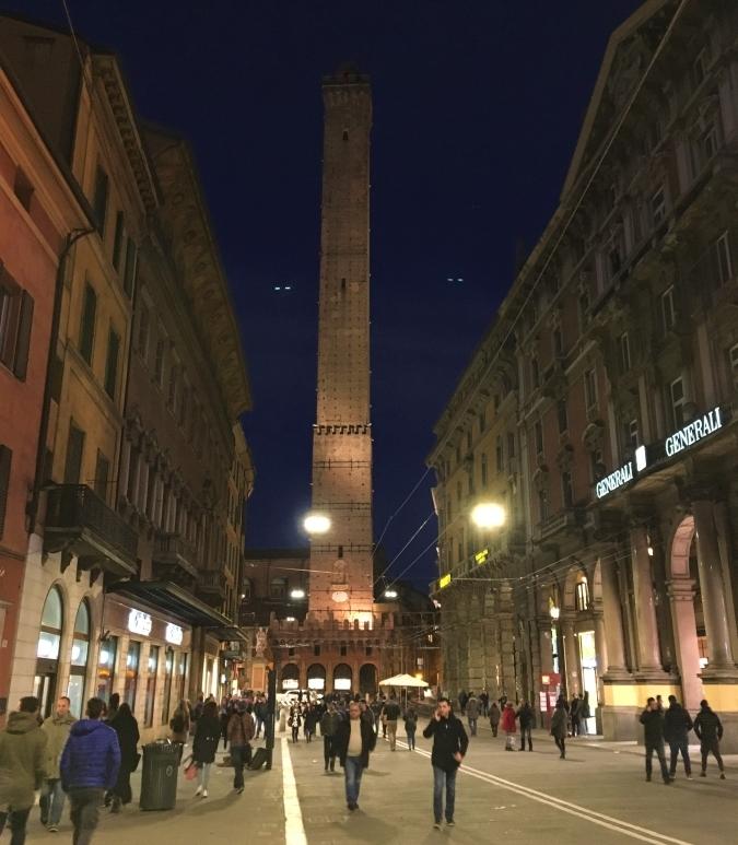 la torre degli asinelli bologna towers