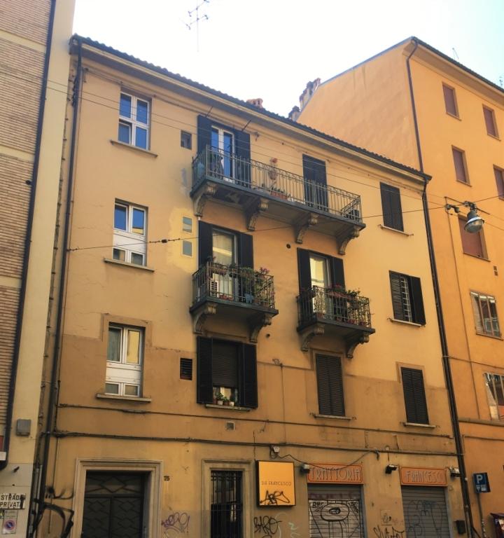 classic italian architectural styles bologna