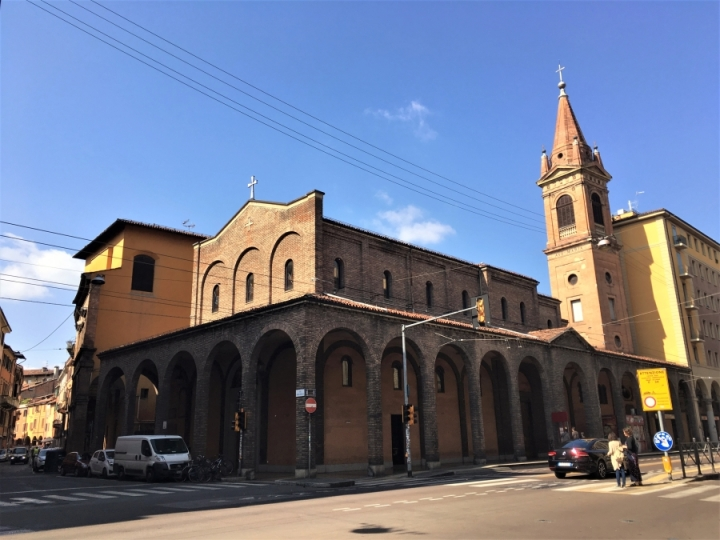 italian architectural styles bologna mission