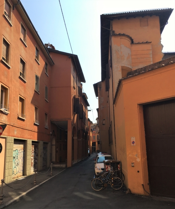 Italian scenery bologna colors