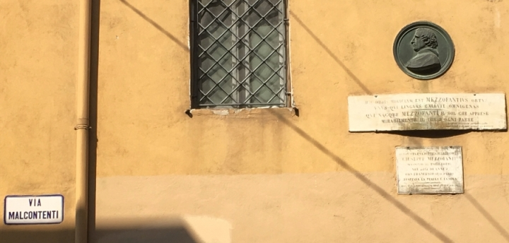 italian language via malcontenti bologna