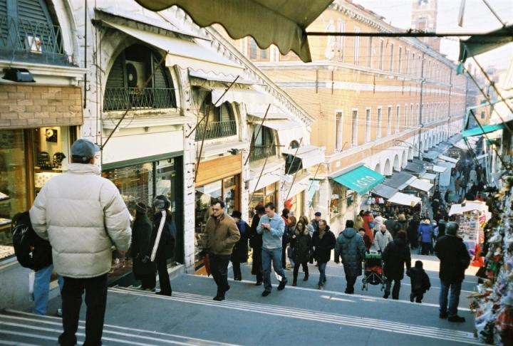 rialto bridge shopping