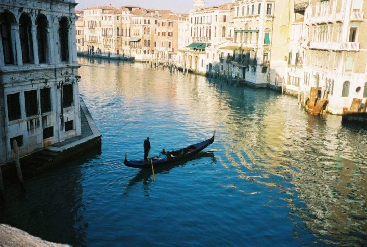 venice gondola venezia