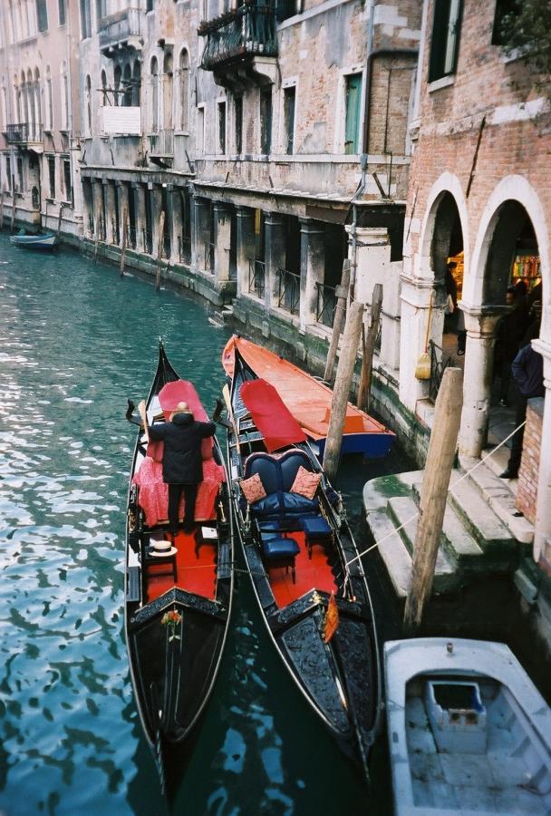 venice gondolas venezia