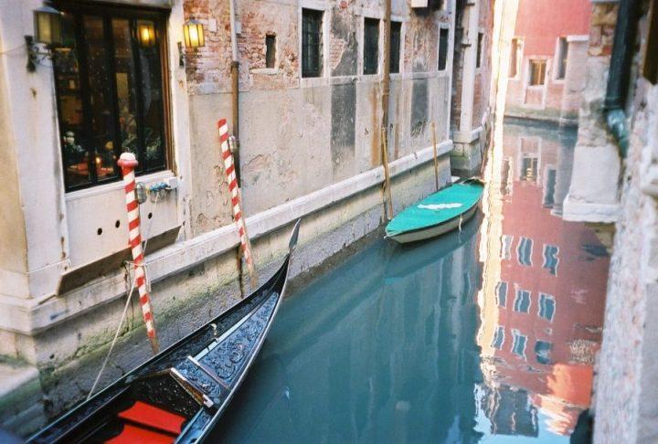venice gondola canal boats