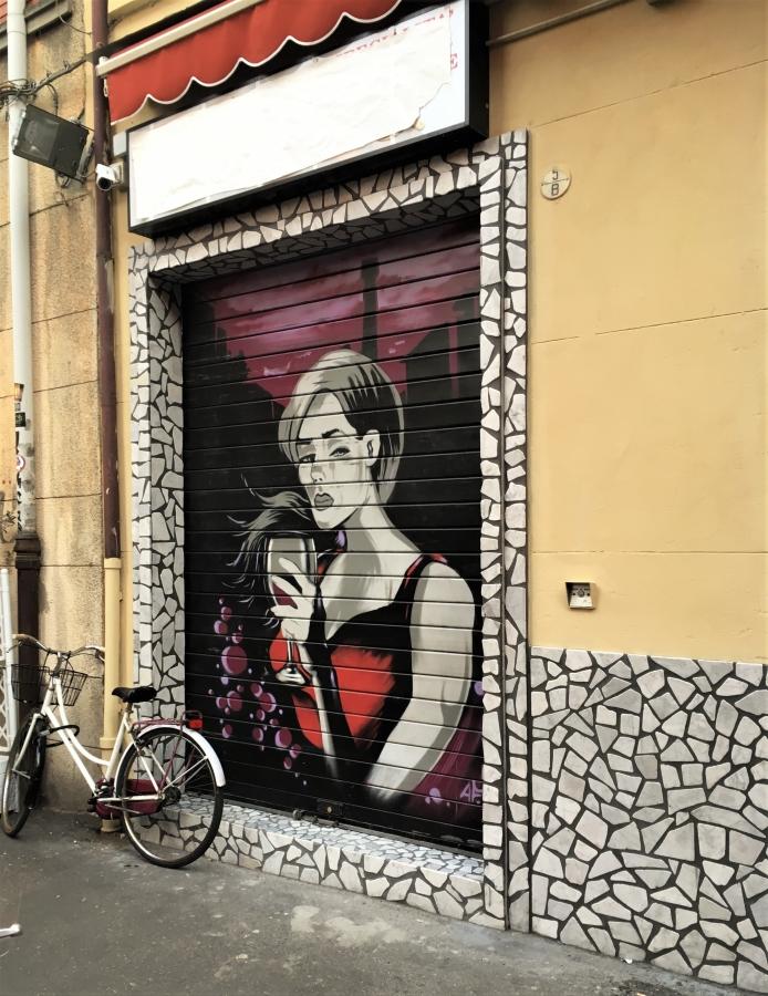 bologna urban street art vino wine