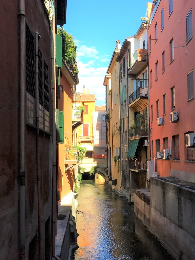 bologna canals