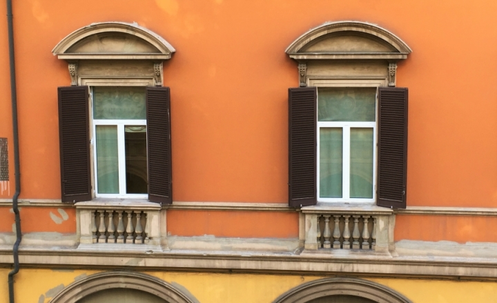 window pediments montagnola bologna