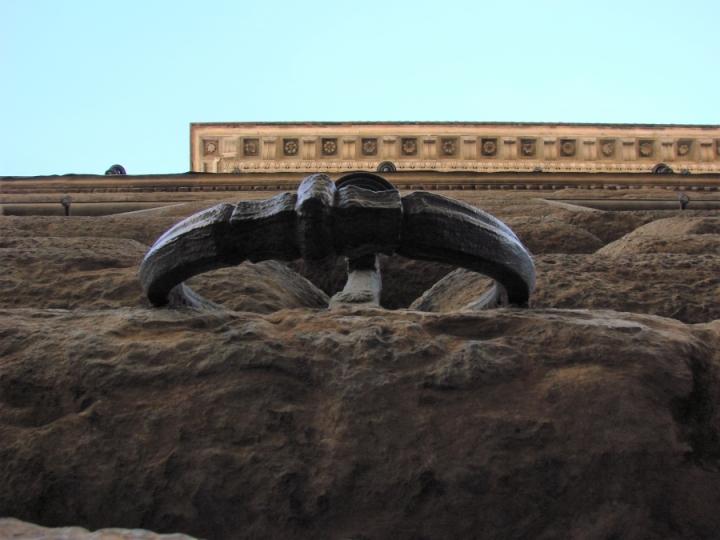 palazzo strozzi rustication iron ring cornice