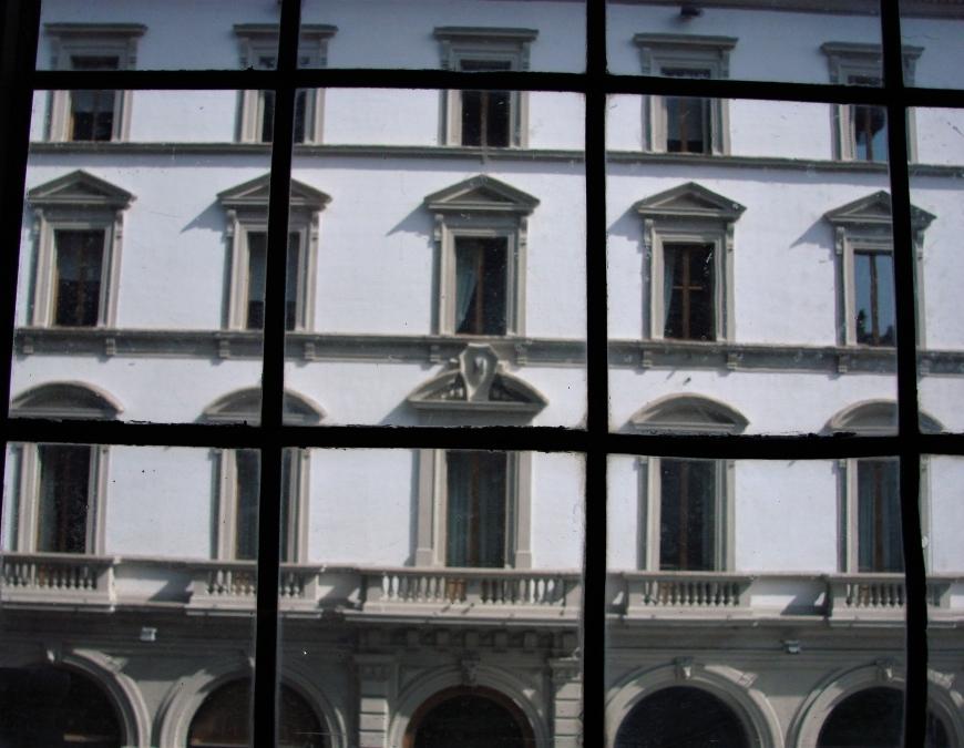 palazzo strozzi windows pediments lintel florence firenze