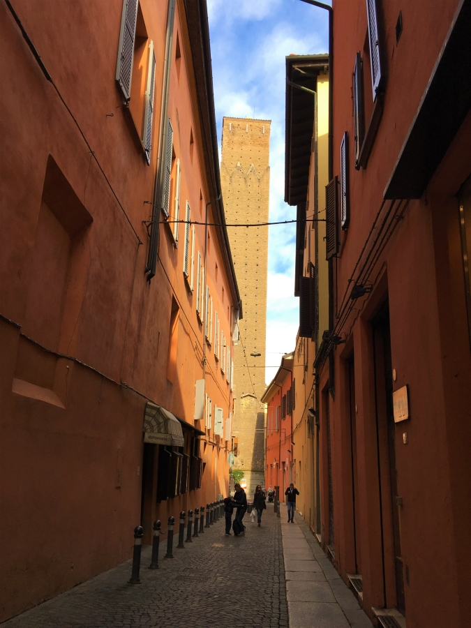 bologna towers things to see in bologa