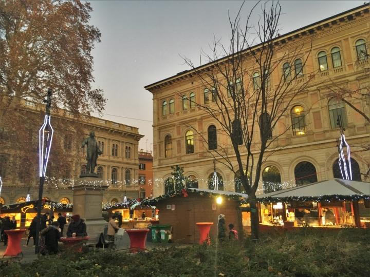 christmas market bologna piazza minghetti