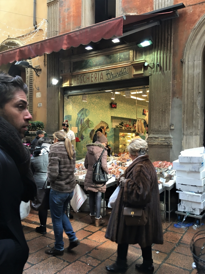 bologna specialty food shops Via Pescherie Vecchie