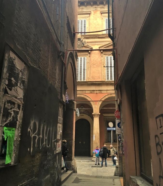 Bologna architecture papal symbols